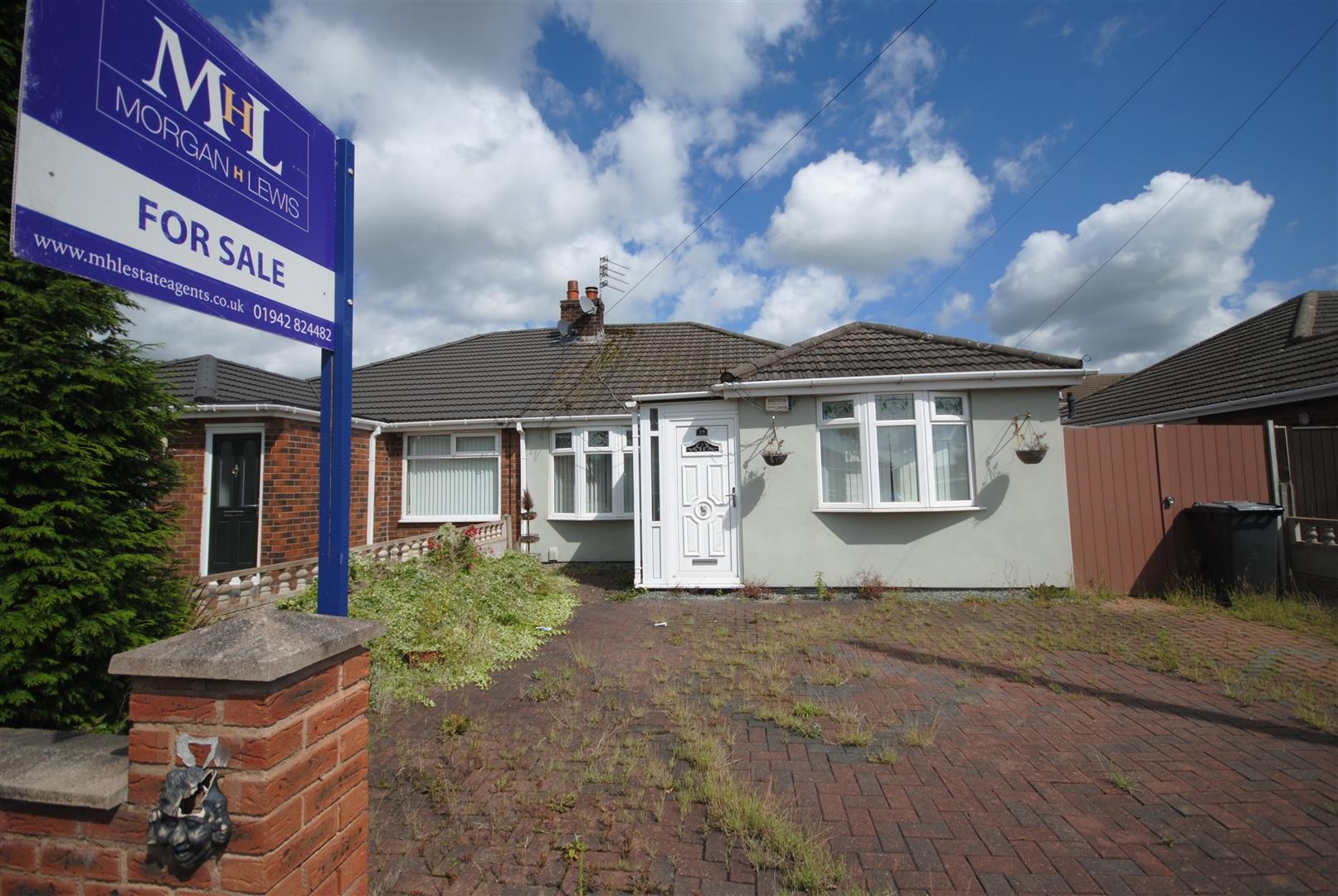 3 Bedrooms Semi Detached Bungalow for sale in Beaumaris Road, Hindley Green, Wigan
